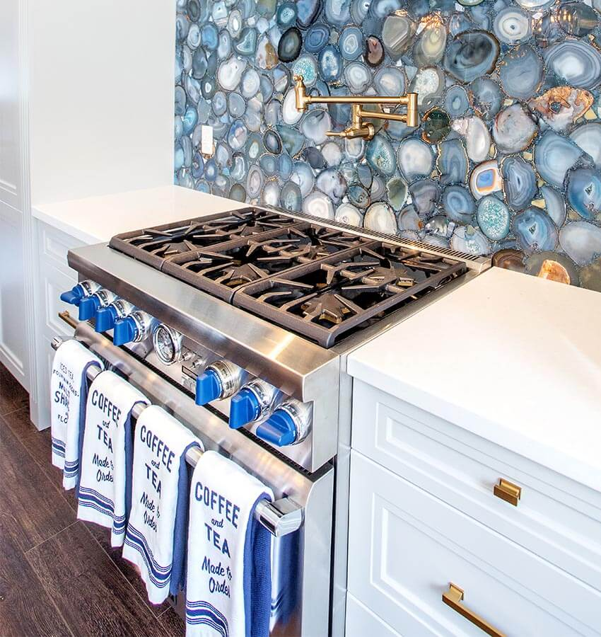 Kitchen Stove and Backsplash