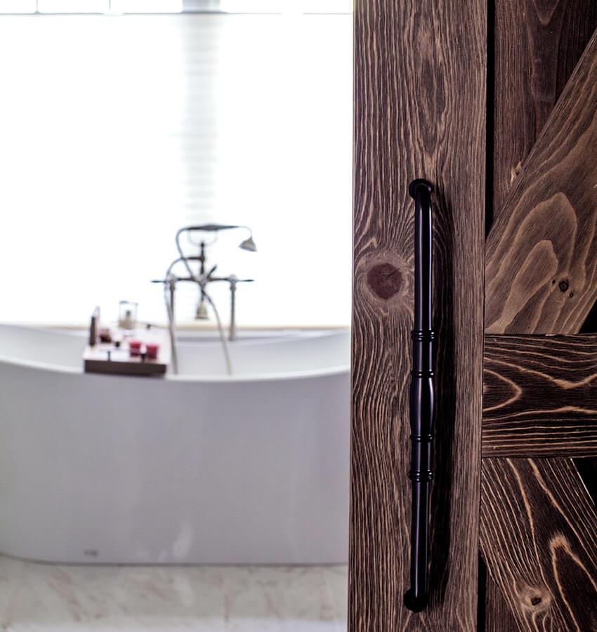 Freestanding Bathtub & Door Closeup