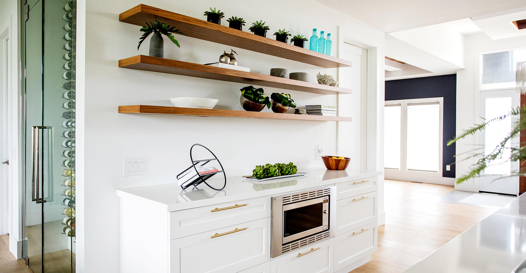 Contemporary Kitchen Design and Shelves